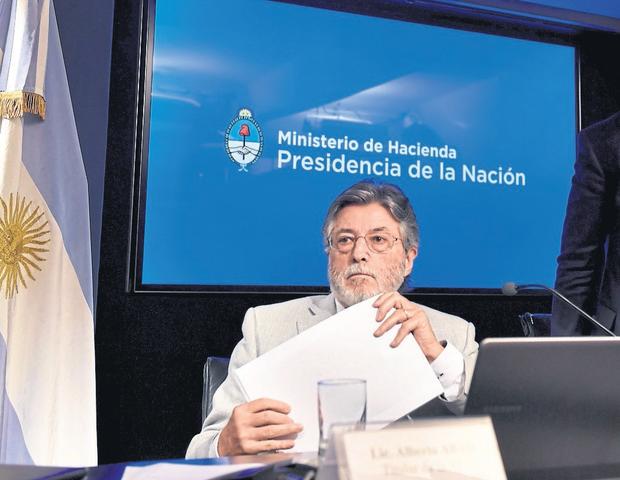 El titular de la AFIP, Alberto Abad, presentó los resultados de la recaudación de abril
