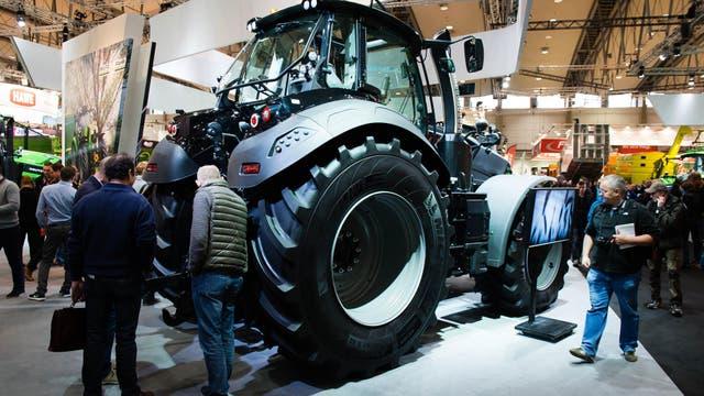 Interés por los tractores en la muestra