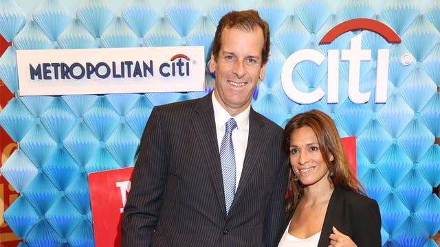 Julio Figueroa CCO de citibank y su mujer.