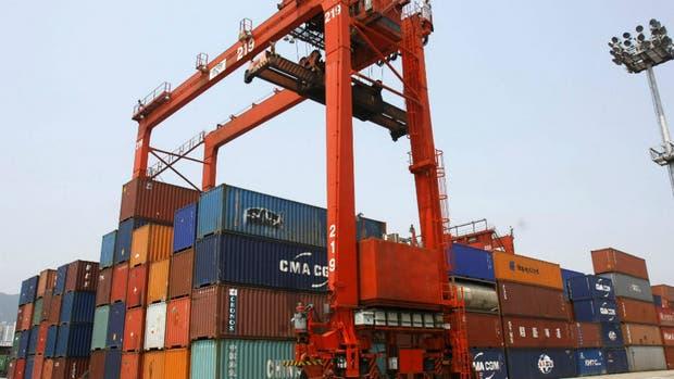 El Gobierno prohibió nuevamente la importación de ropa usada