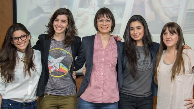 Mujeres techies: Melina Masnatta junto con el resto de las fundadoras del proyecto