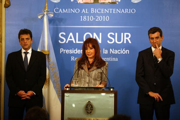En 2009, cuando Cristina Kirchner se refirió al revés electoral del kirchnerismo, junto a Massa y Randazzo