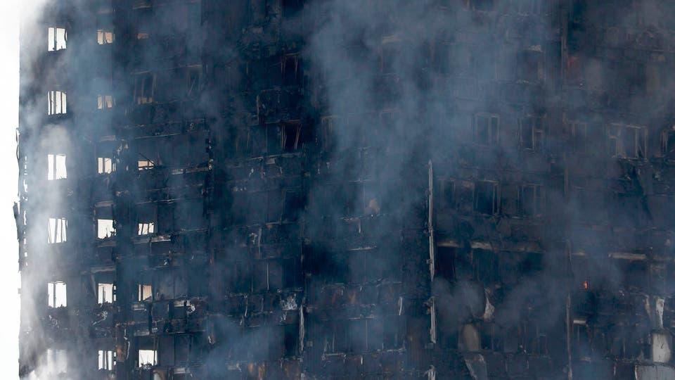 La hipotesis más fuerte es que una heladera explotó en el 4to piso y generó el incendio. Foto: AFP