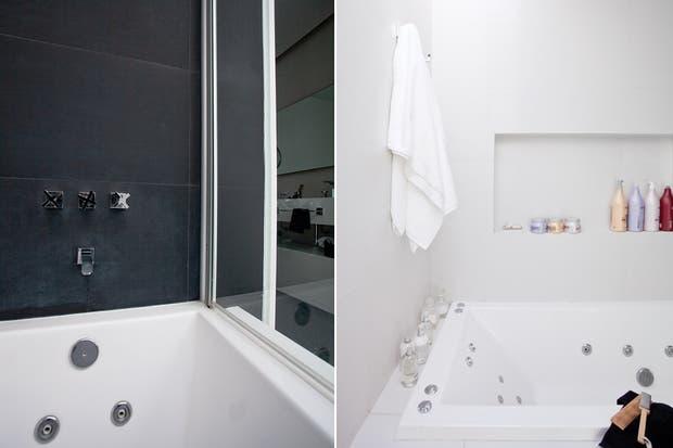 En la zona privada, la bañadera Ferrum 'Niza' con jacuzzi (Barugel Azulay) está protegida por una mampara de Blindex..
