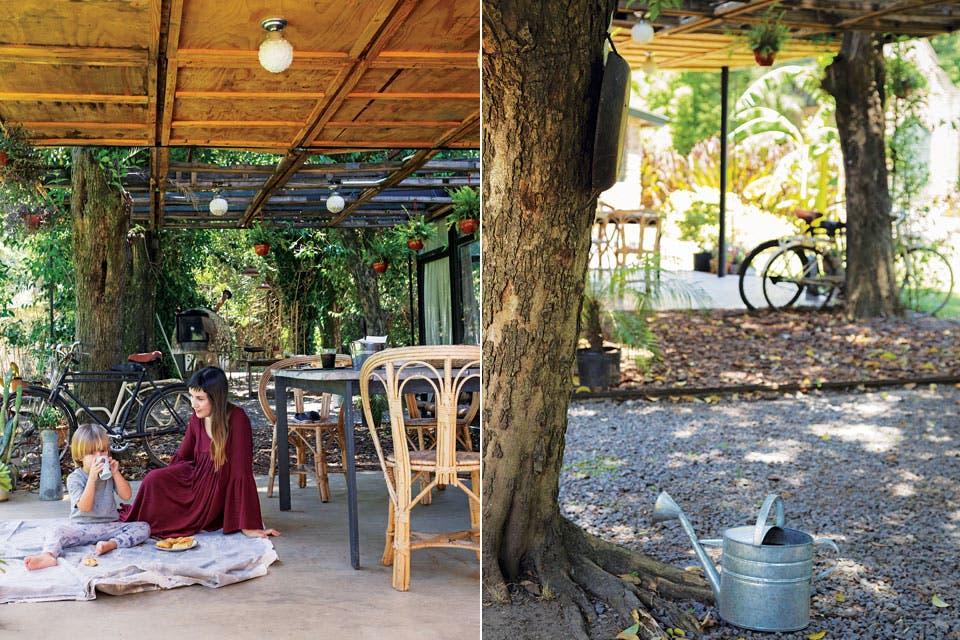 El arquitecto Alejo Fernández Renati remodeló su casa sumando un living-comedor transparente y flamante galería. La ambientación corrió por cuenta de su mujer, Agos Geya.  Foto:Living /Daniel Karp