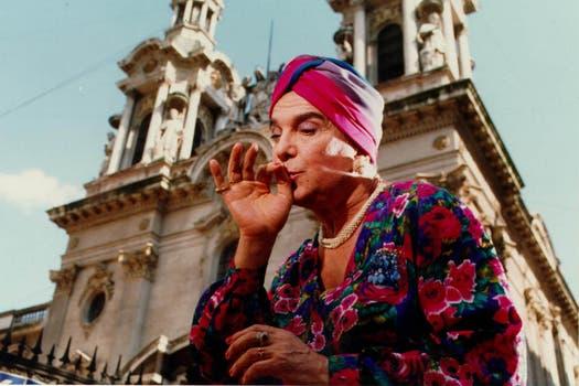 En la película Cohen vs. Rossi (1998), interpretaba a un viejo fanatizado por vestirse de mujer.