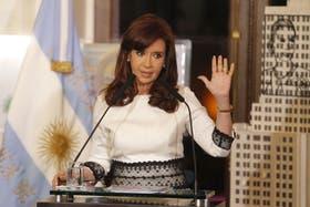 Cristina Kirchner presenta un plan de viviendas