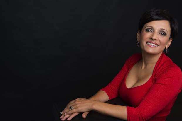 Lorena Astudillo, nuevamente en el universo del creador salteño