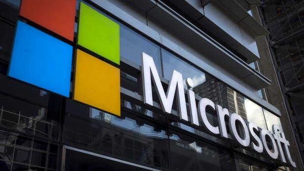 Microsoft demandó al gobierno de Estados Unidos; pide poder informar a sus clientes cuando sus datos están siendo analizados por la Justicia
