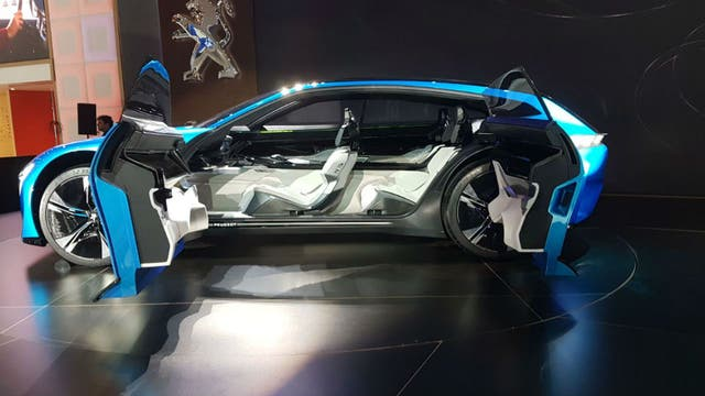 El Peugeot Instinct, uno de los modelos más innovadores del Salón.