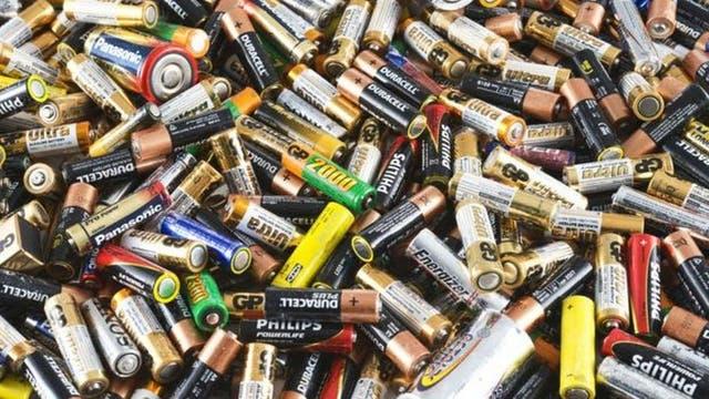 Le cellule microbiche sono forniti come un'alternativa pulita alle batterie tradizionali