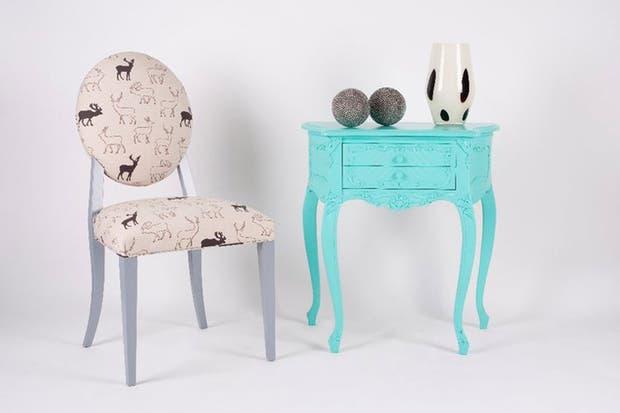 No Pánico también reinterpreta muebles de otras épocas con tonos brillantes y telas súper modernas..
