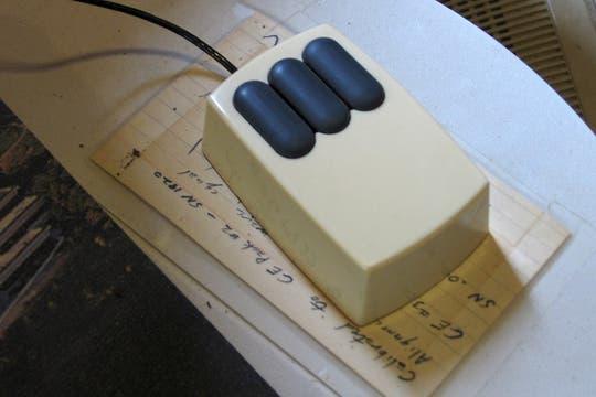 El mouse de la legendaria Xerox Alto, uno de los ratones emblemáticos de las primeras computadoras personales. Foto: Gentileza Flickr / mwichary