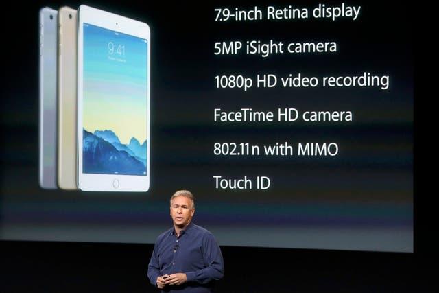 Phil Schiller mostrando las novedades del iPad Mini 3