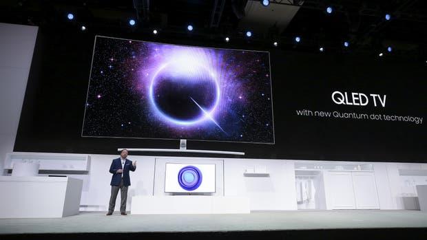 Samsung presentó su televisor con Quantum Dots, un término que la compañía lo resumió en QLED