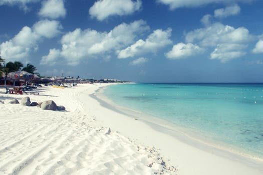 9. Eagle Beach - Aruba.