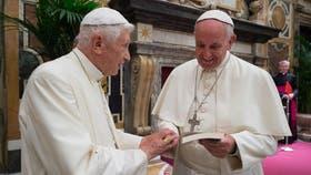El Papa Francisco recibió a Benedicto XVl