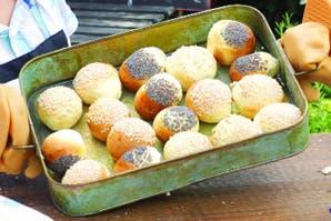 Pancitos de manteca con semillas de sésamo