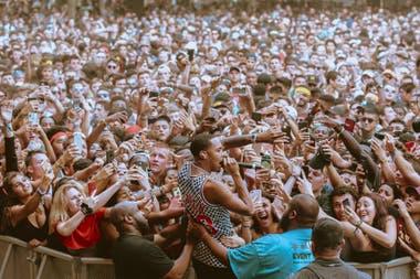 Lollapalooza  las nuevas tendencias teen le ganan terreno al rock  tradicional. El gran festival, en Chicago, tiene espectadores de frente y  de espaldas al ... 0ea4a70ca5