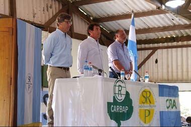 De Velazco (Carbap), Josifovich (Sociedad Rural de Pergamino) y Chemes (CRA)