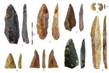 Artefactos de piedra del Paleolítico Superior Inicial encontrados.