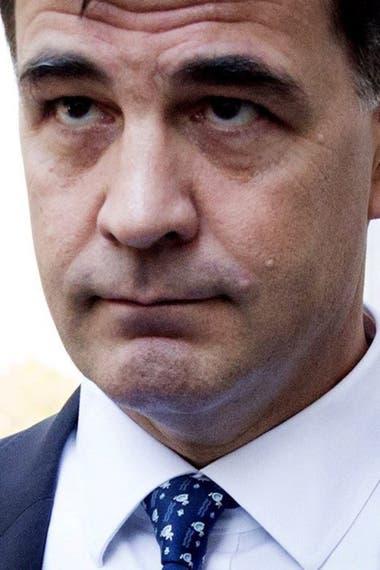 Alejandro Burzaco, ex CEO de Torneos, tuvo tobillera electrónica durante tres meses y vigilancia del FBI en su departamento de Manhattan. Está libre, aunque a disposición de la Justicia de Estados Unidos, y no puede salir del país.