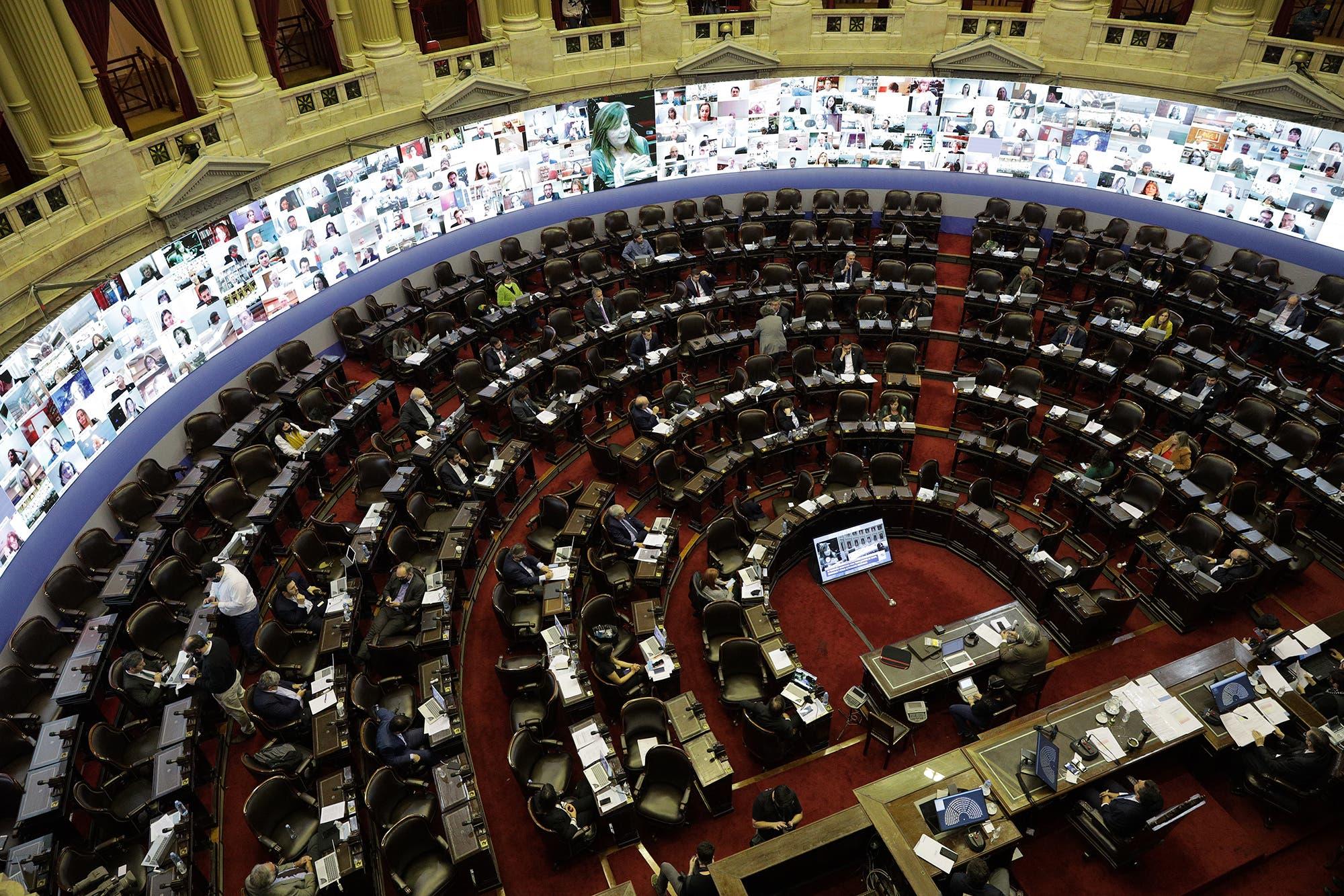 Apoyo unánime en Diputados al proyecto del Gobierno para reestructurar la deuda en dólares bajo legislación local
