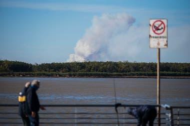 Incendios en las islas del Paraná