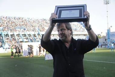En 2018 volvió al Gigante de Alberdi dirigiendo a Atlético Tucumán y fue recibido con una ovación por los hinchas de Belgrano.