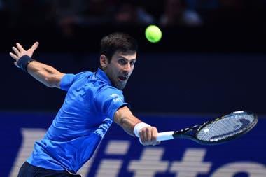 El serbio Novak Djokovic, número 1 del mundo y gran favorito para lograr el trofeo en el ATP Finals; este lunes debutará en el O2 Arena frente a Schwartzman.