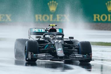 Valtteri Bottas debe descontar al menos 8 puntos de la ventaja de 85 que le lleva su compañero Hamilton, para seguir teniendo alguna chance de ser el campeón.