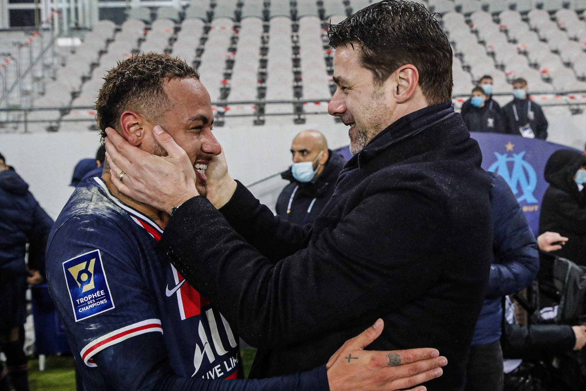 Mauricio Pochettino, con un gol de Icardi, festejó su primer título como DT con la Supercopa de Francia