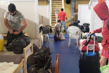 Con la visita de Horacio Pietragalla, el gobierno de Formosa permitió la salida de decenas de personas retenidas en centros de aislamiento