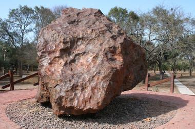 Meteorito de Campo del Cielo, entre Chaco y Santiago del Estero. Foto: Gentileza Mauricio Bianchi