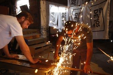 El taller de herrería es una fuente de vida y de aprendizaje para los beneficiarios de planes sociales que se capacitan en Rafael Calzada