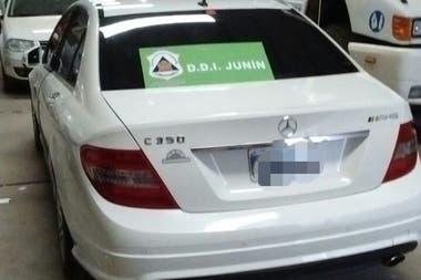 Uno de los automóviles secuestrados
