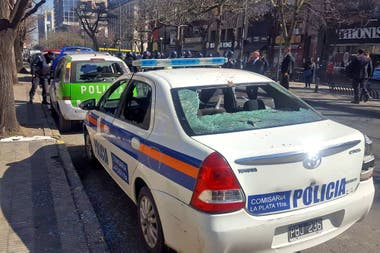 Varios patrulleros resultaron dañados durante los incidentes con los manifestantes