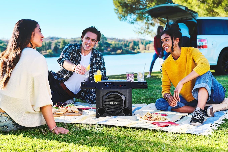 10 parlantes portátiles y auriculares para disfrutar la música al aire libre