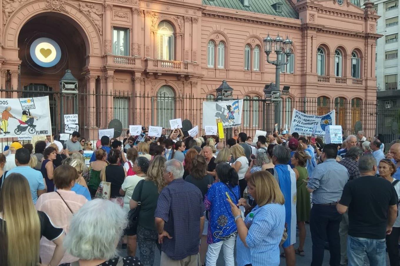 """""""#15F Con los Jubilados"""": marchan a Plaza de Mayo contra el nuevo esquema jubilatorio"""