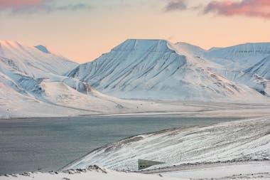 La Bóveda de Semillas de Svalbard está cerca de Longyearbyen, la última ciudad al norte del planeta.