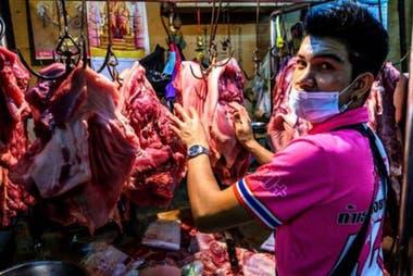 """No en todos los mercados """"mojados"""" se venden animales salvajes, de los cuales se cree que se dio la transmisión del nuevo coronavirus."""