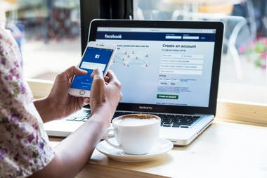 Como parte del programa de transferencia de datos a otras plataformas, Facebook ahora permite hacer una copia de forma directa a los servicios online Google Fotos y Dropbox