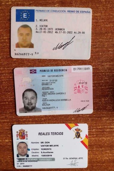 El ex soldado ucraniano Viktor Melnyk no tenía pasaporte. Dijo que entró ilegal a la Argentina desde Paraguay. Contaba con una credencial de los Reales Tercios de España.