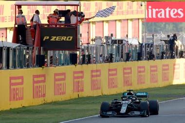 Hamilton tuvo una primera mala salida, pero después impuso su jerarquía y ganó