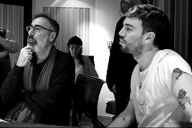 En la grabación de Cabildo y Juramento con su padre, Leo Sujatovich, histórico tecladista de Spinetta Jade, PorSuiGieco, Nito Mestre y el grupo Tantor