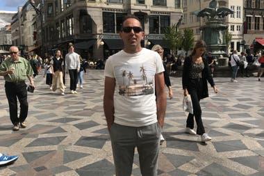 Pablo en Copenhague, más cerca de su destino inesperado.
