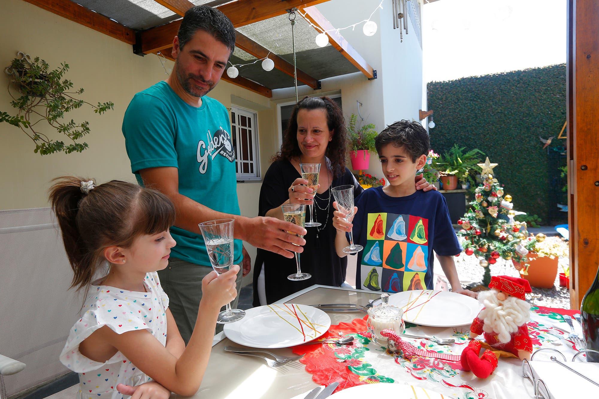 Nochebuena. El Covid-19 marcó el ritmo del reencuentro familiar
