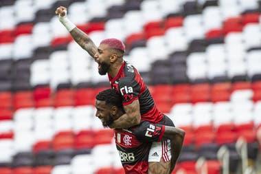 Gabigol festeja el tanto que le puede dar el título a Flamengo en la última fecha del campeonato
