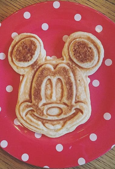 Witherspoon hizo un waffle de Mickey