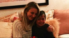 La conmovedora foto de Kaley Cuoco con un fan de The Big Bang Theory